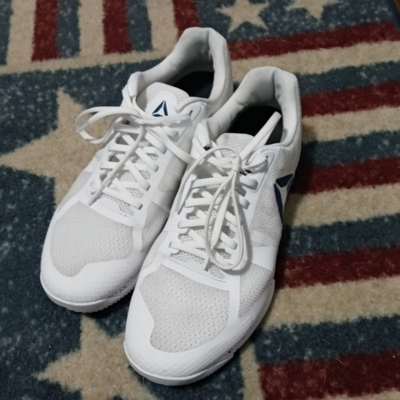 Reebok Shoes   Mens White Trainers Size